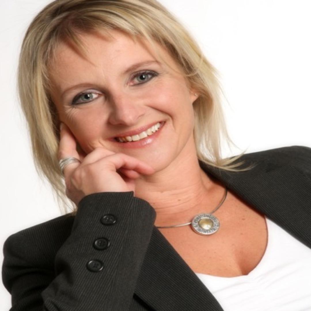 «Il faut assumer d'avoir une passion différente des autres autres» – Interview de Nathalie MARCOT – Coach Astrologue